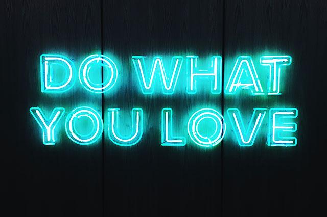 Neon---Do-what-you-love---CAFROFORM-Lyon-Danse